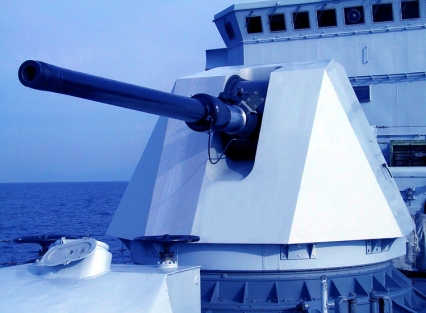 Oto-Melara's-127-64-main-gun-for-the-new-Indian-frigates-(1).jpg