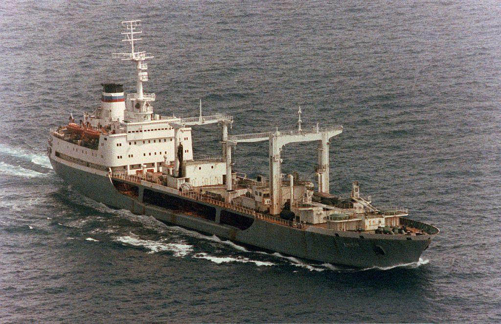 есть фото экипажа танкера борис чиликин русинка