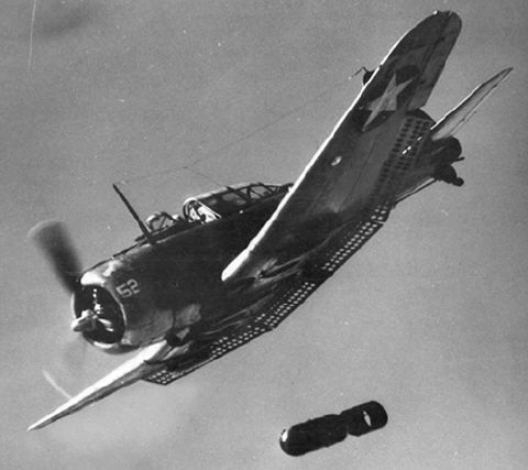 douglas_sbd_dauntless_world_war_ii_dive_bomber