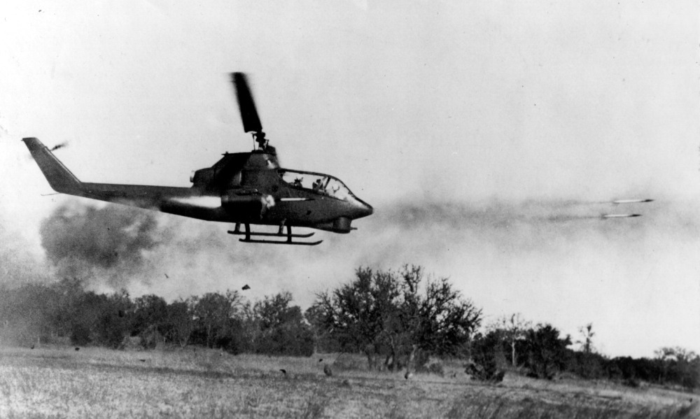 AH-1_Cobra_firing_rockets_at_enemy_target_in_Vietnam.jpg
