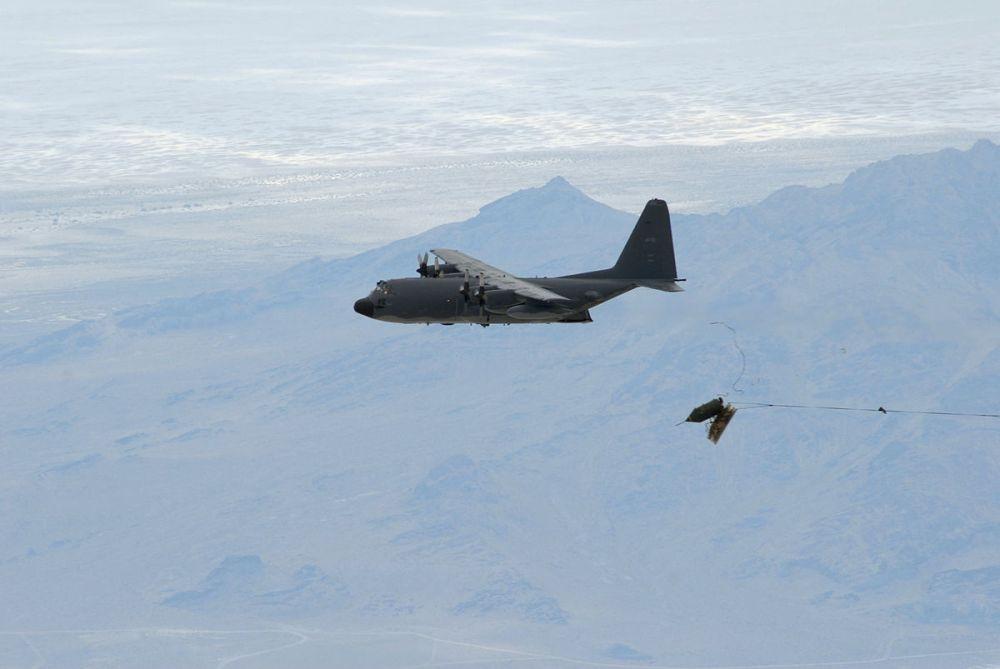 Duke_Field_reservists_drop_last_BLU-82_bomb.jpg
